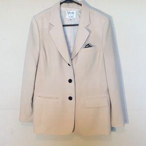 Collections for Le Suit cream colored blazer Sz12